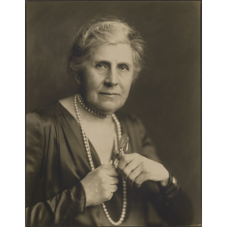 """a biography of ida tarbell the creator of investigative journalism Ida tarbell, an investigative journalist and best-selling author, took on standard  oil with her book, """"the history of the standard oil company,"""" exposing the."""