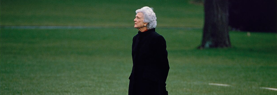 Barbara Bush on the Lawn of the White house