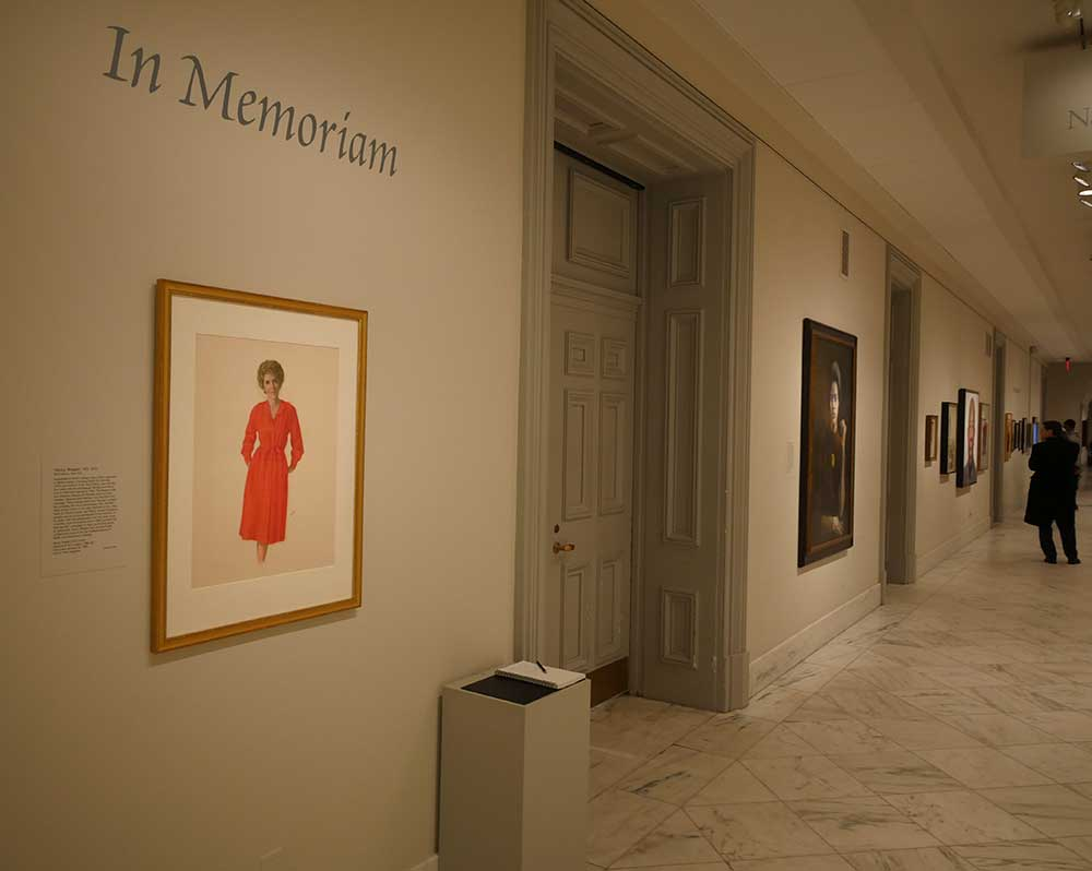 Installation of the portrait of Nancy Reagan