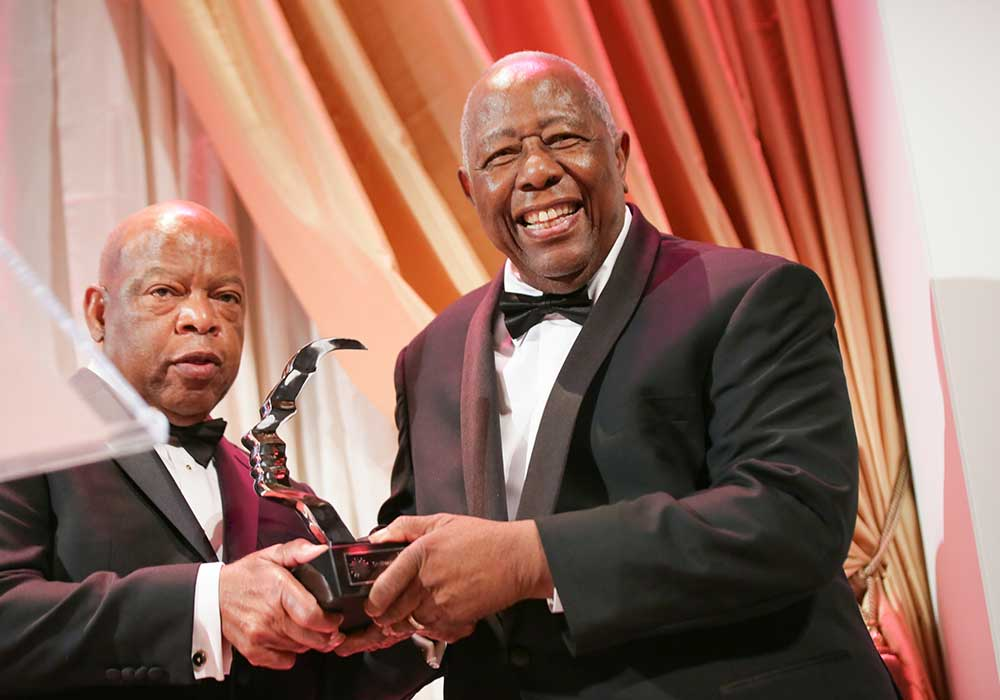 John Lewis presenting 2015 Portrait of a Nation Prize to Hank Aaron