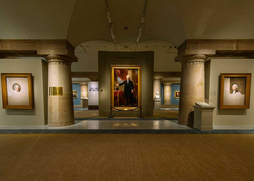 View of the exhibtion entrance, grand portrait of George Washington in the center
