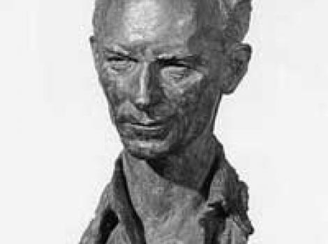 Black and white picture of bronze bust of Ernie Pyle